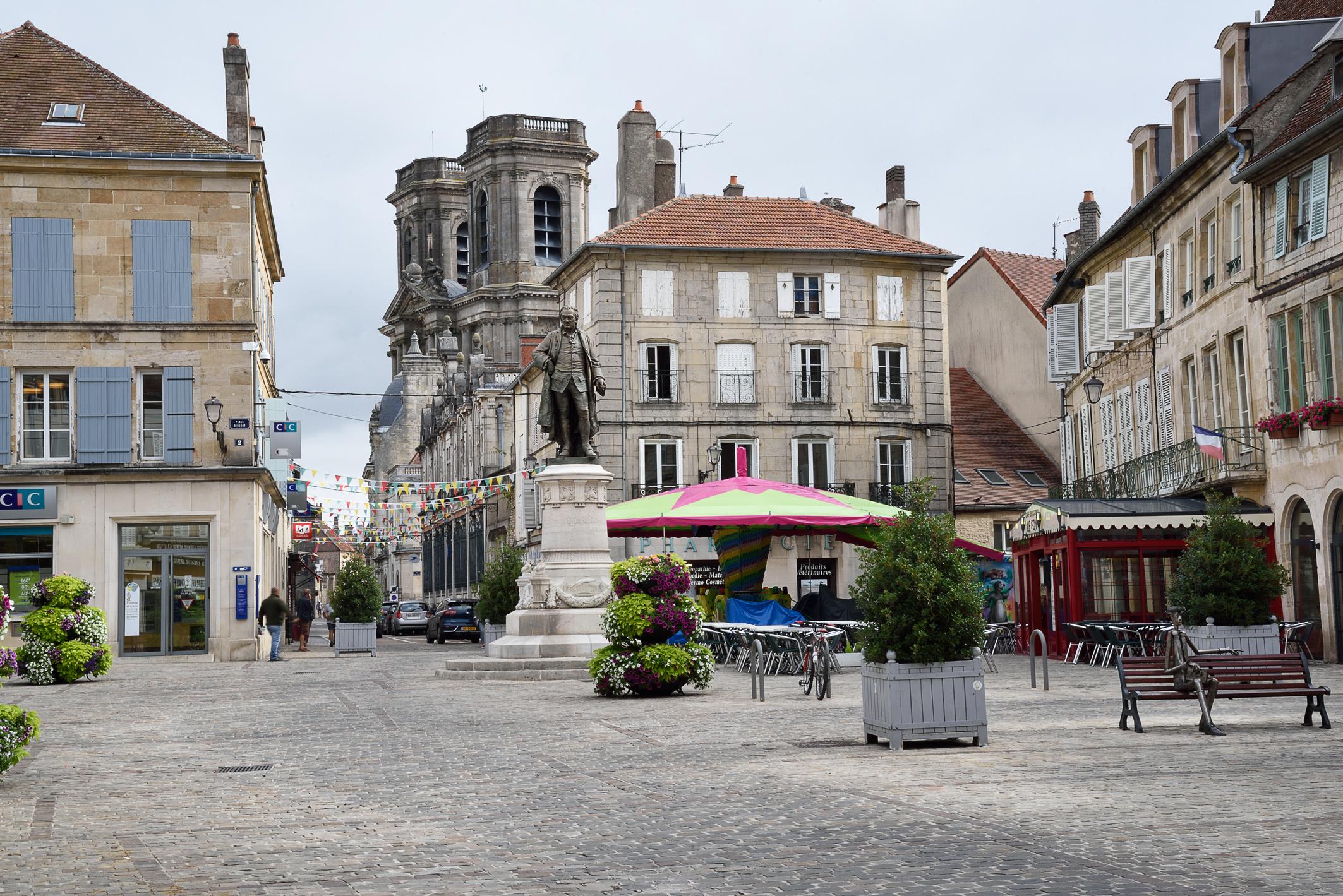 Deux ravissantes champenoises : Langres et Châlons-en-Champagne