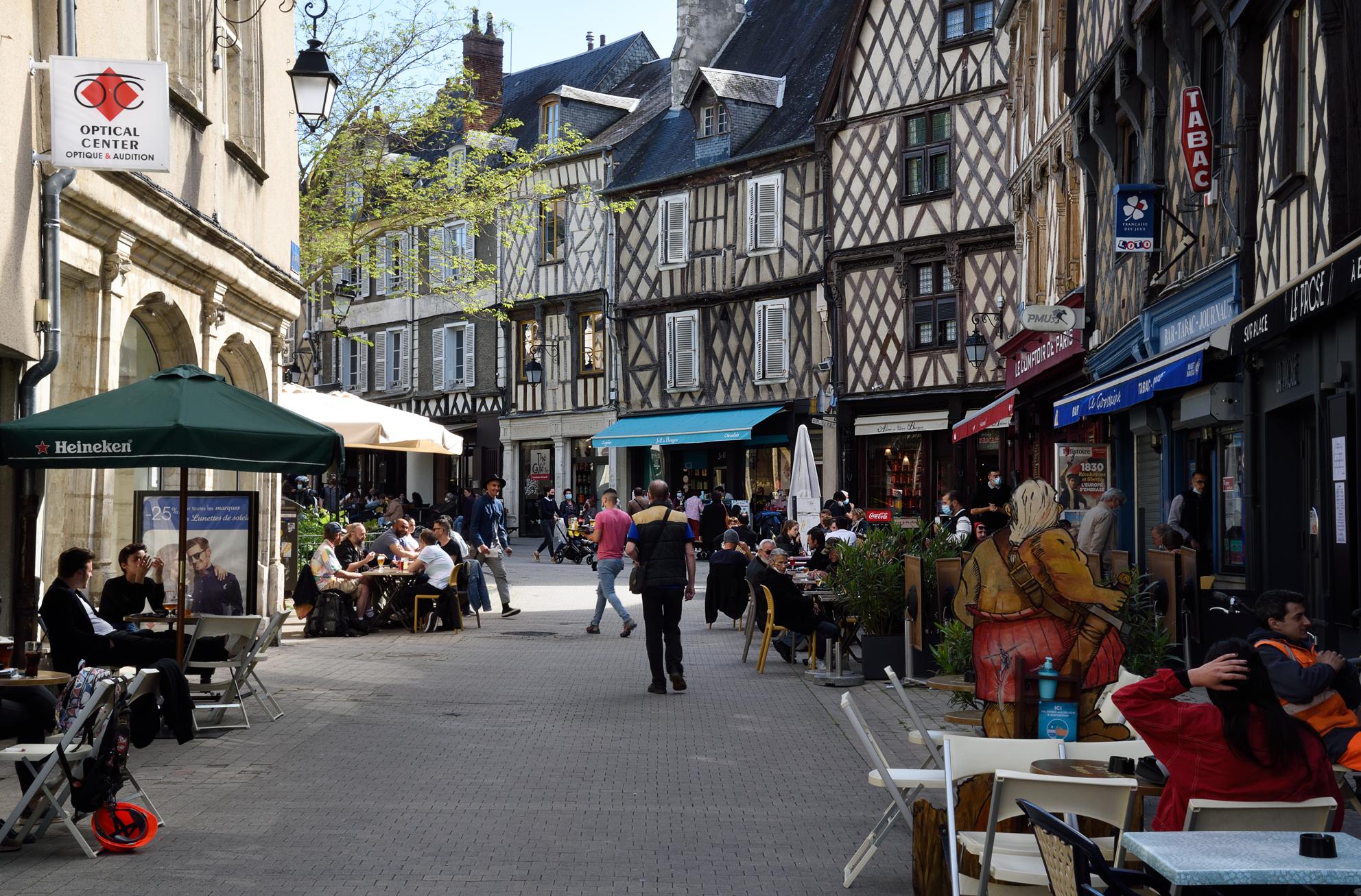 Place Gordaine – Bourges- Bdesmettre